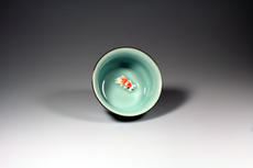 Product image for:Cup Celadon mit rotem Fisch