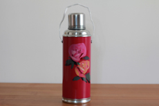 Product image for:Thermoskanne 1.2 L, rosa mit rosa Blüten (1364)